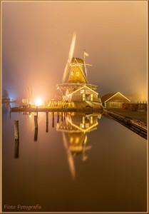 Foto molen in het licht 3